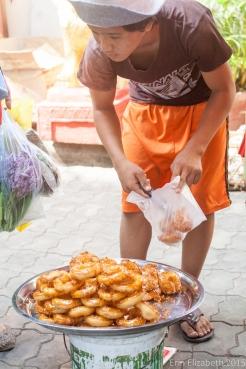 Khmer donuts, Phnom Penh